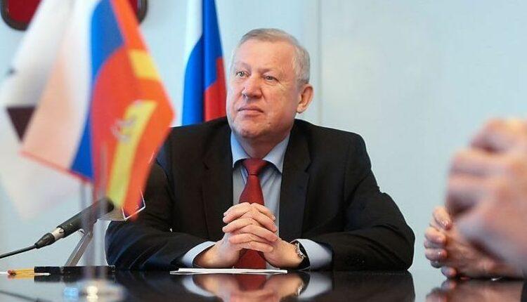 Глава Челябинска Евгений Тефтелев воюет с шаурмой. Во имя Господа