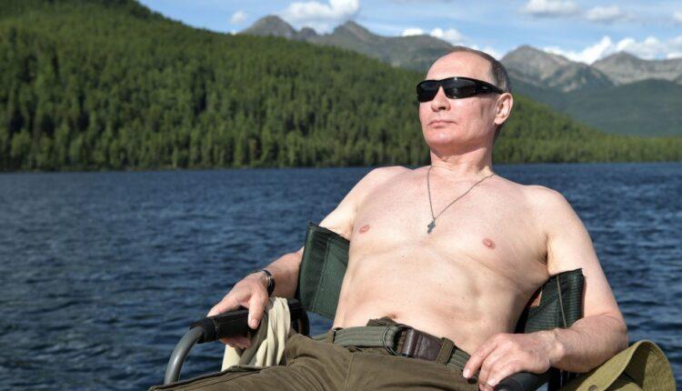 Мускулы Президента. Оценим? Как отдыхали Путин и Шойгу. ФОТО, ВИДЕО