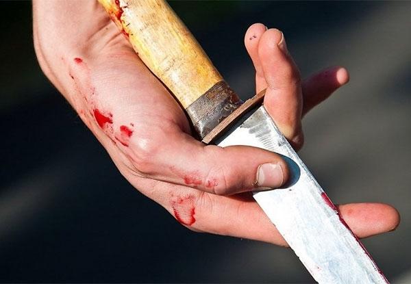 Челябинец устроил кровавую поножовщину. Есть жертвы
