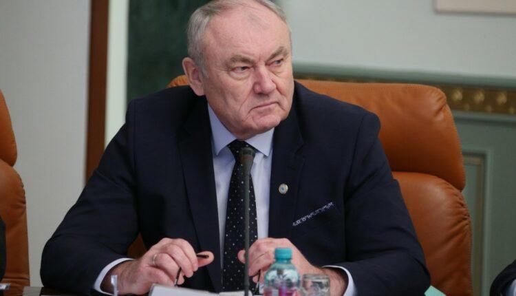 Челябинский вуз отдал бюджетные места узбекским гастарбайтерам
