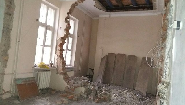 В детской поликлинике на Южном Урале обрушилась стена