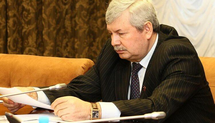 Спикер южноуральского Заксобрания Владимир Мякуш лишился важной должности