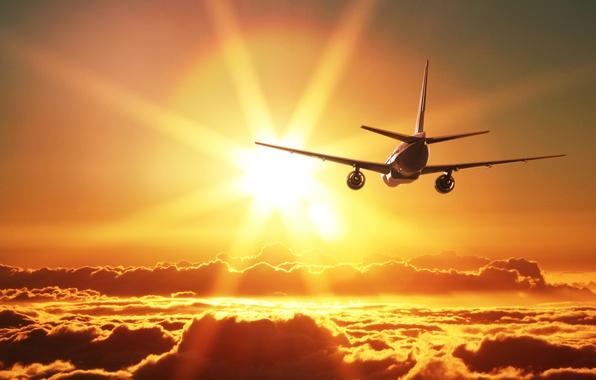 Летать на самолётах в ближайшие дни опасно. На Солнце гигантская вспышка
