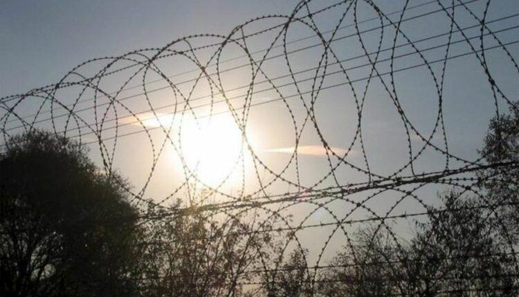 Скандал в магнитогорской колонии: заключённых снабжали спиртным и мобильниками