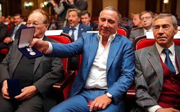Почётный гражданин Челябинска олигарх Аристов продолжает травить город
