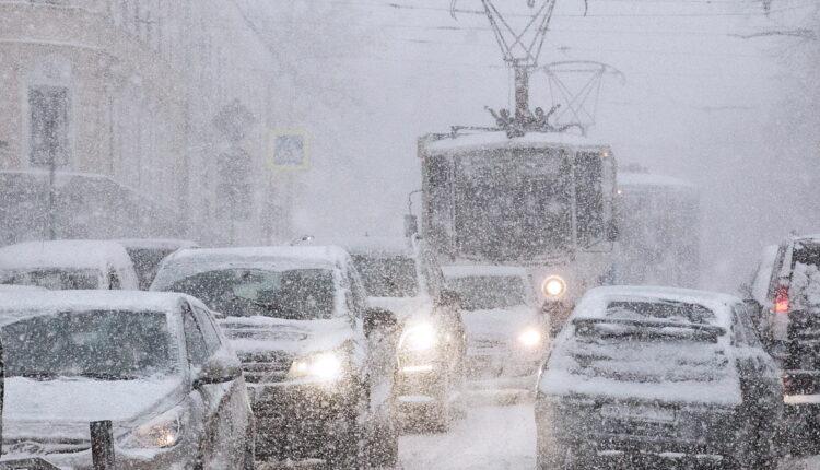 70 аварий за несколько часов: из-за сильного снегопада в Челябинске увеличилось число ДТП