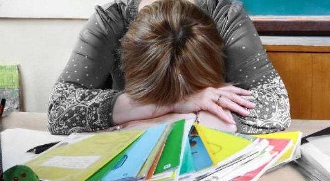 «Почему так мало»: учительница расстроилась, посчитав подаренные ей к празднику деньги