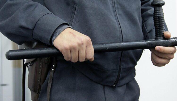 Южноуральского полицейского за избиение пяти подозреваемых поместили под домашний арест
