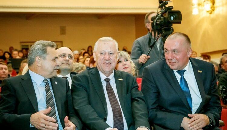 Бюджетные миллиарды для Тефтелева-младшего. Как делает карьеру сын челябинского мэра Евгения Тефтелева