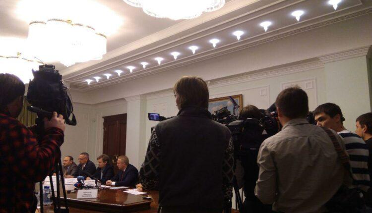 На встрече губернатора Дубровского с экологическими активистами вспыхнула перепалка