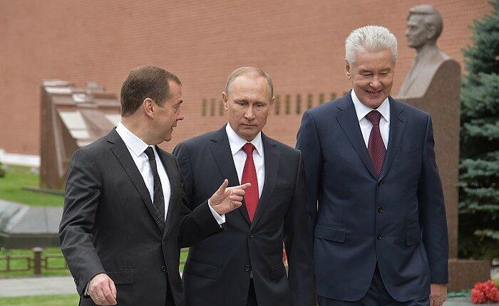 Собянин обещает «не подсиживать» Медведева. Об отставке премьера снова заговорили