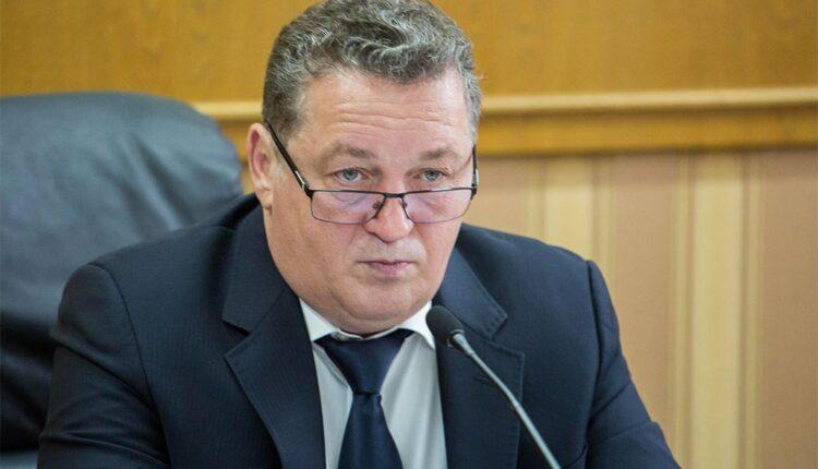 «Правая рука» губернатора Дубровского уходит из депутатов в чиновники