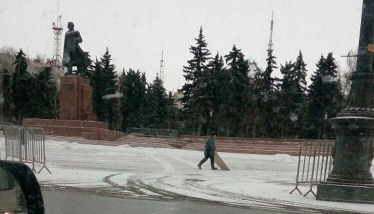 Супертехнологии в Челябинске: как убирают снег, потратив миллионы