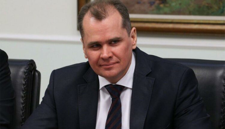 Командировки челябинского министра Смольникова: пять зарплат за пару дней