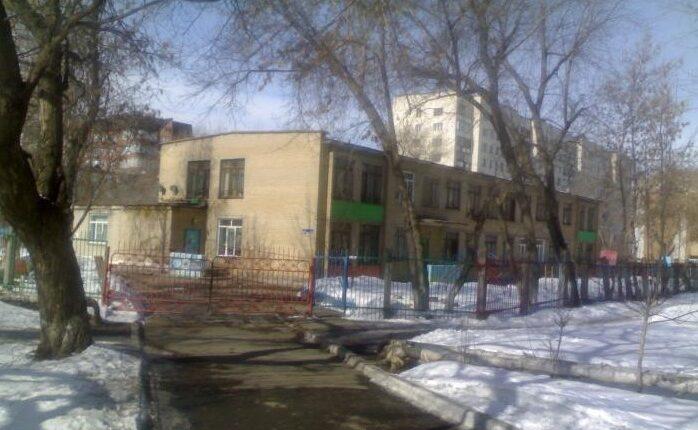Во время пожара в челябинском детском саду эвакуировали почти сотню детей