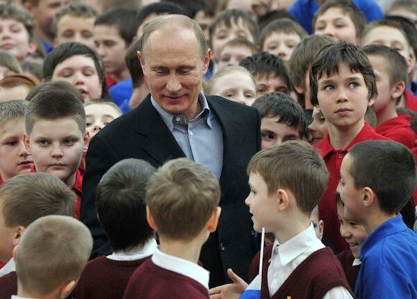 Главное результат — Единая Россия использует детей в кампании Путина. ВИДЕО