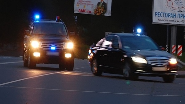 Путин добавил мигалок на автомобили своей администрации