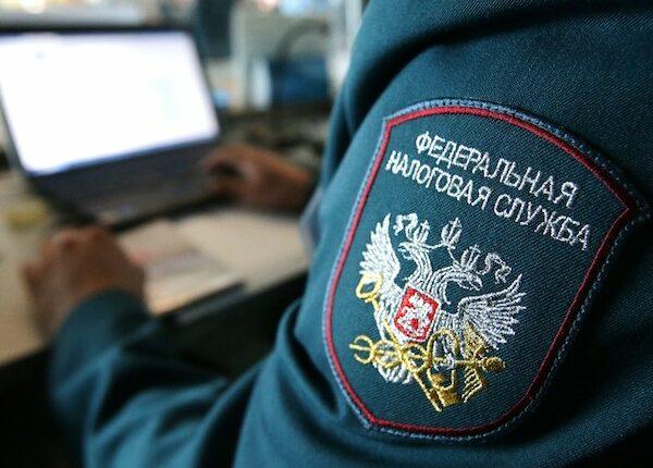 Челябинского налоговика задержали за предновогодний подарок. ФСБ посчитали его взяткой
