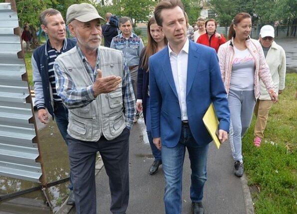 Депутат Госдумы Владимир Бурматов попиарился на челябинцах, которых «прессуют» бандиты застройщика. И забыл о них. ФОТО, ВИДЕО