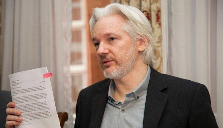 Джулиан Ассанж болен. Ему необходимо покинуть здание посольства Эквадора