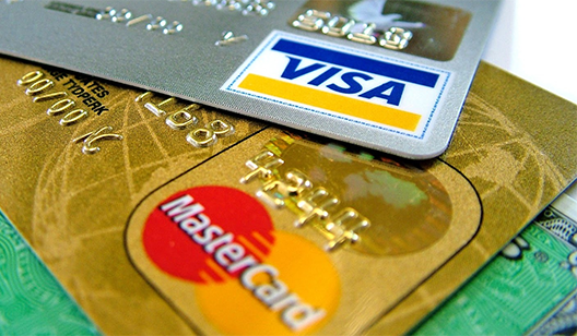 Крымчане больше не смогут расплачиваться с помощью Visa и Mastercard