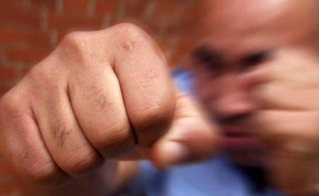 Пьяный алтайский депутат избил женщин и подростка в кафе. ВИДЕО