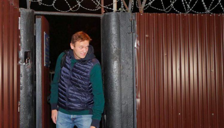 Навальному грозит очередной арест из-за отказа удалить фильм «Он вам не Димон»