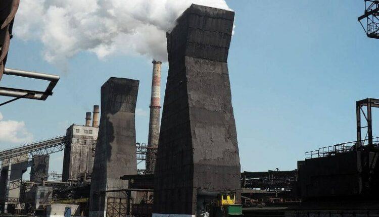 Челябинские топ-менеджеры «Мечела» стали обвиняемыми по уголовному делу о загрязнении воздуха
