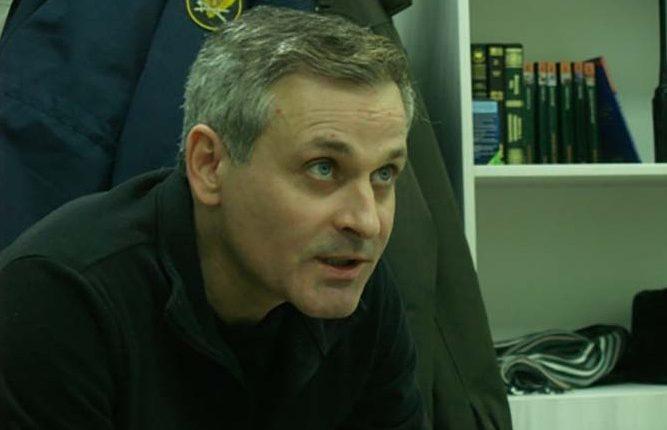 «Почки отобьём». Тюремщики жестоко избили экс-сенатора Константина Цыбко, а судья спрятала видео