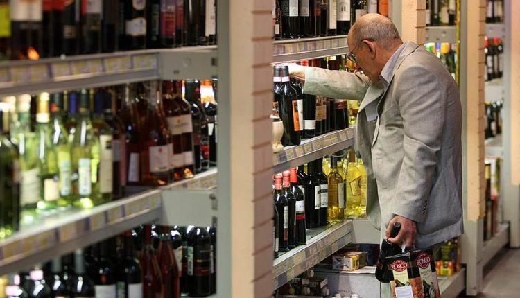 Из-за увеличения НДС и падения курса рубля в России серьезно подорожает заграничный алкоголь
