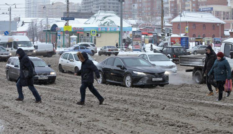 Челябинцы, разгневанные разгильдяйской уборкой улиц компанией «Южуралмост», собирают подписи за расторжение с ней контракта