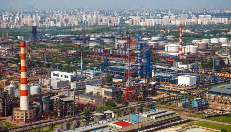 Москвич пытается отсудить у «Газпрома» 5 млн рублей и остановить работу его предприятия из-за ядовитых выбросов