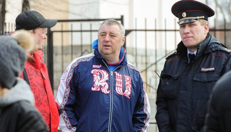 Непотопляемый: челябинский депутат Сергей Шумаков и его схемы