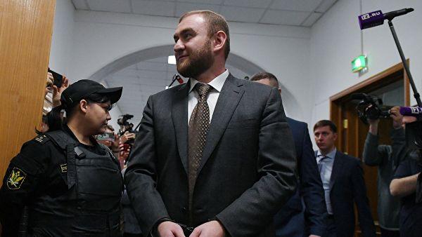 Сенатор-убийца Арашуков будет продолжать представлять Карачаево-Черкессию в Совфеде, находясь в СИЗО