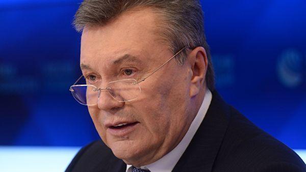 Экс-президент Украины Виктор Янукович передвигается по Москве на машинах с мигалками. ФОТО