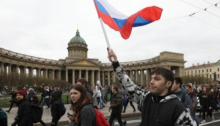 В России появился первый фигурант дела о вовлечении несовершеннолетних в акции протеста