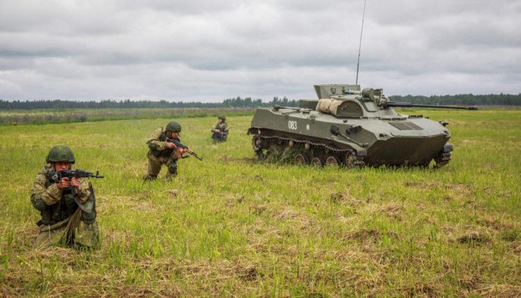 Двум подполковникам дали «условку» за стрельбу из танков по солдатам. ВИДЕО