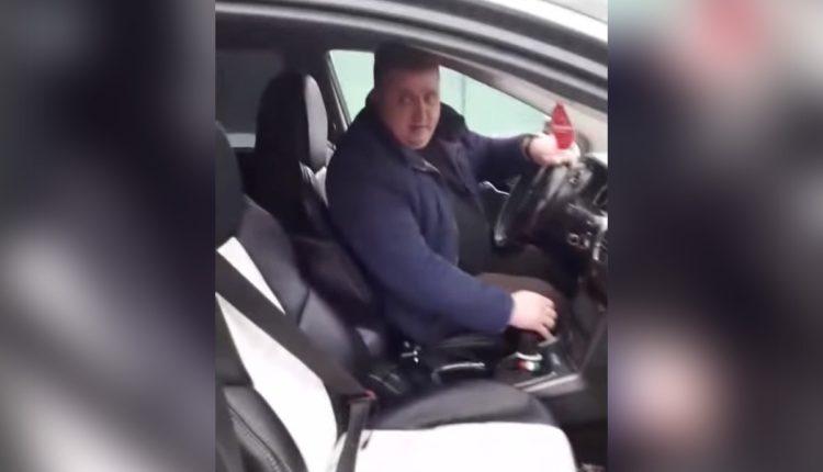 «В рыло хлопну». Российский чиновник жестко обругал женщину, пожаловавшуюся на плохие дороги. ВИДЕО