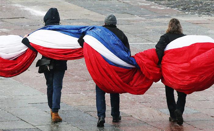 Рекордное число россиян стали считать неверным путь, по которому движется страна