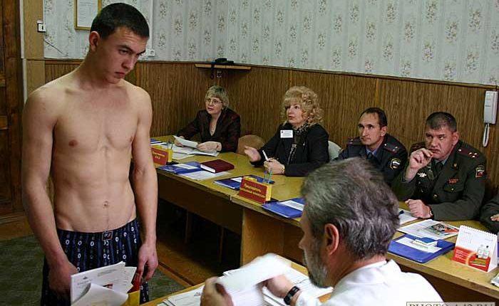 В Госдуме предложили мотивировать призывников являться в военкомат высокими штрафами