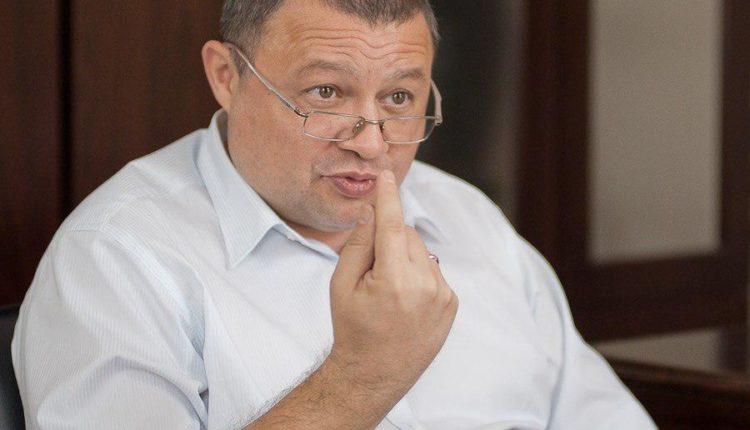 «Дави всех!» Опасное семейство на дорогах Челябинска: чиновник соревнуется с женой, коллекционируя ДТП и штрафы. ФОТО