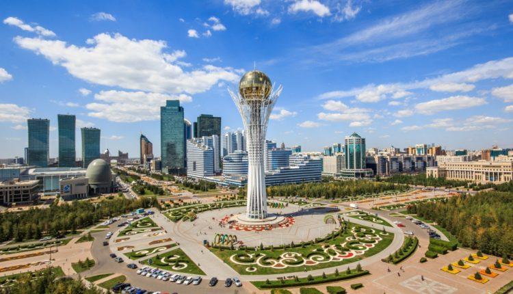 Парламент Казахстана одобрил переименование столицы республики в честь Назарбаева