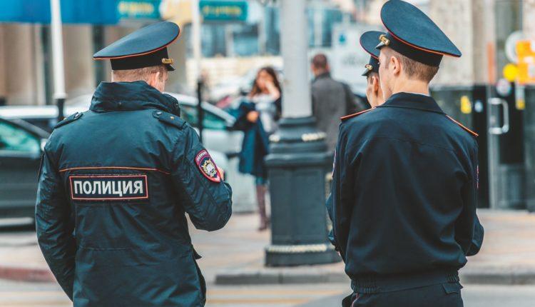 В Госдуме предложили наделить полицейских правом выносить гражданам предостережения