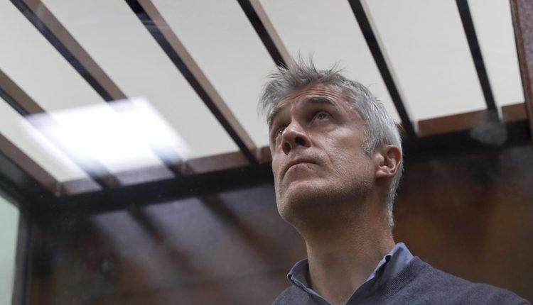 В Кремле заподозрили фонд Майкла Калви в спонсировании оппозиции и протестных движений