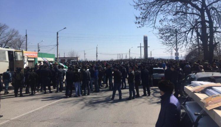 В Ингушетии расформировали батальон полиции, вставший на сторону митингующих