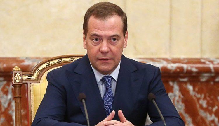 Медведев заявил, что Россия не будет цензурировать интернет по примеру Китая