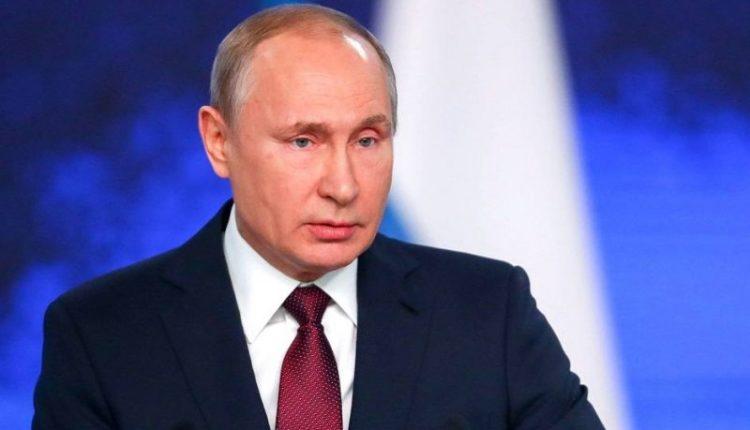 В Кремле прорабатывают варианты, позволяющие Путину остаться у власти как можно дольше