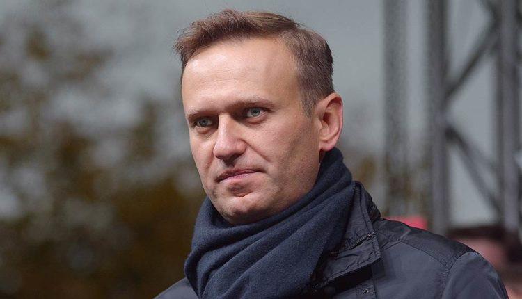 Навальный вновь попытается зарегистрировать свою партию. Ему не удается этого сделать начиная с 2012 года