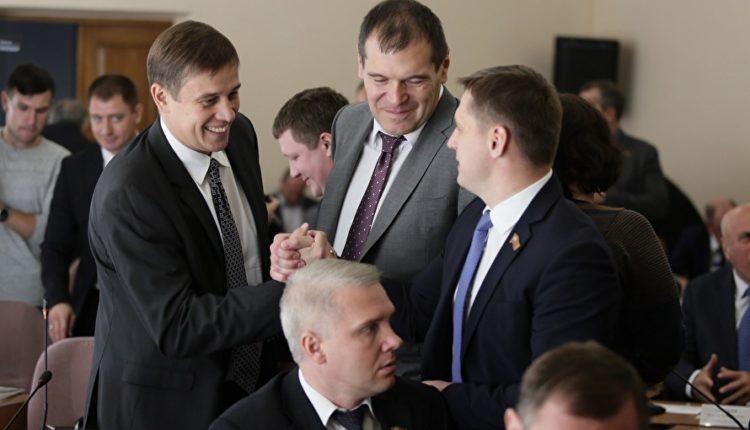 Челябинские депутаты Госдумы угодили под санкции Украины