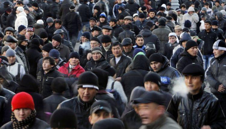 Приток мигрантов в Россию опустился до исторического минимума за весь постсоветский период